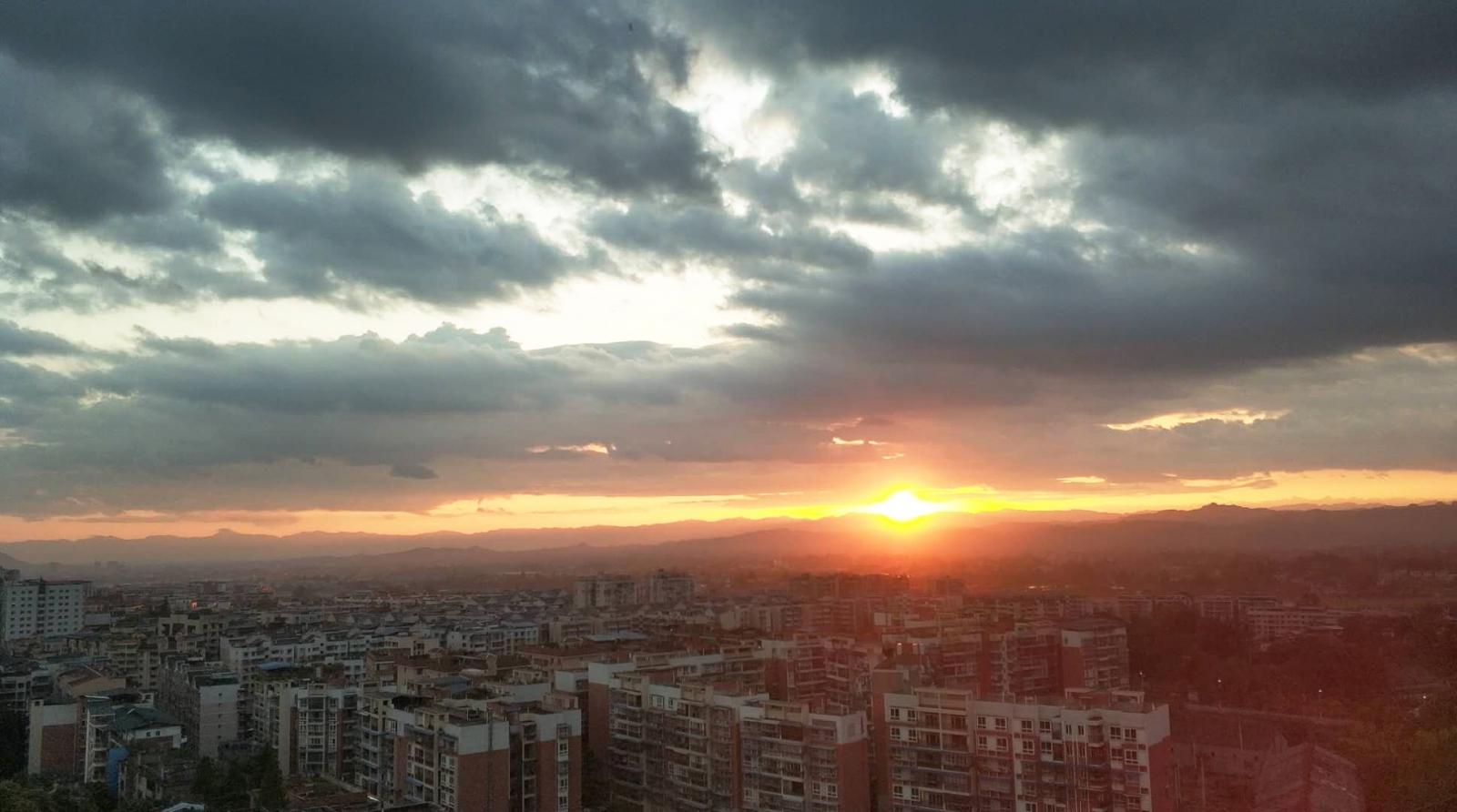 夕阳镇景.jpg